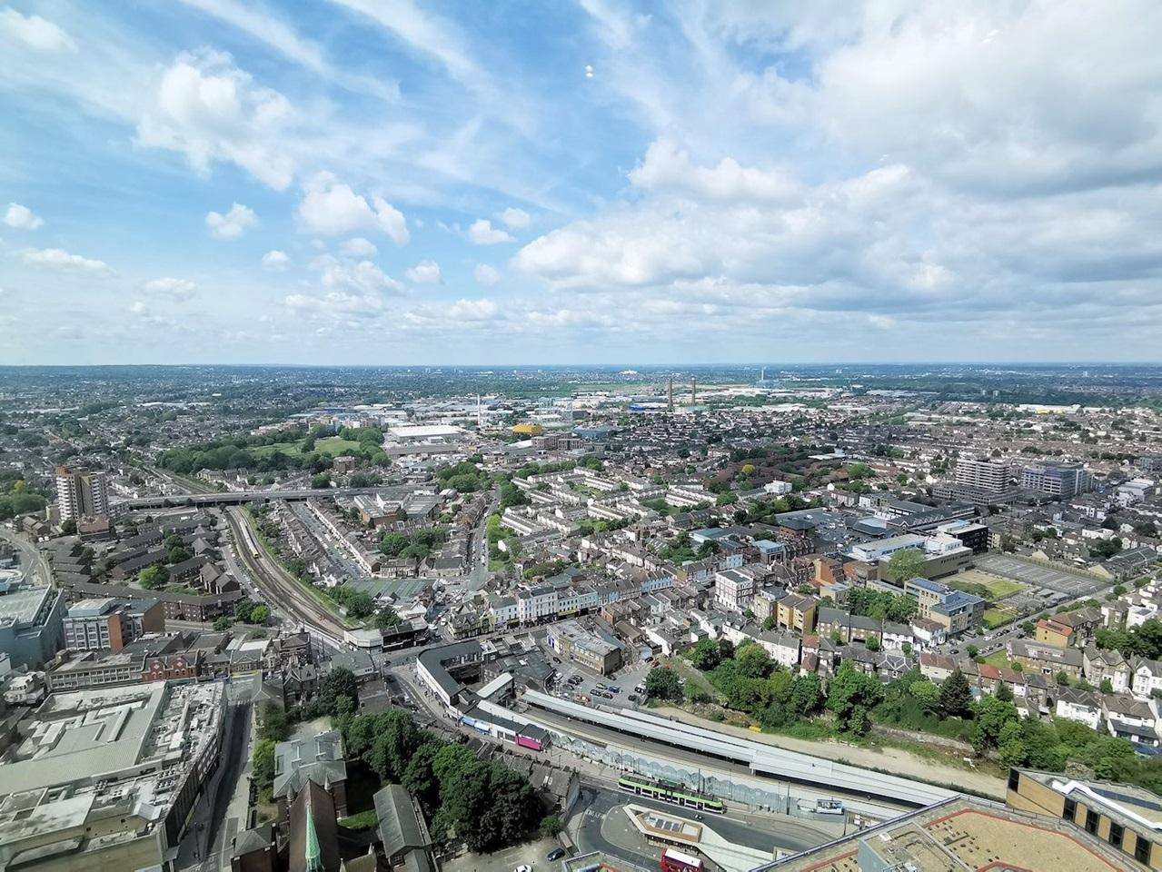 Croydon - 2 Bed Flat, Pinnacle Apartments, CR0 - To Rent ...