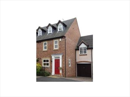 3 Bed Semi-Detached House, The Croft, B95