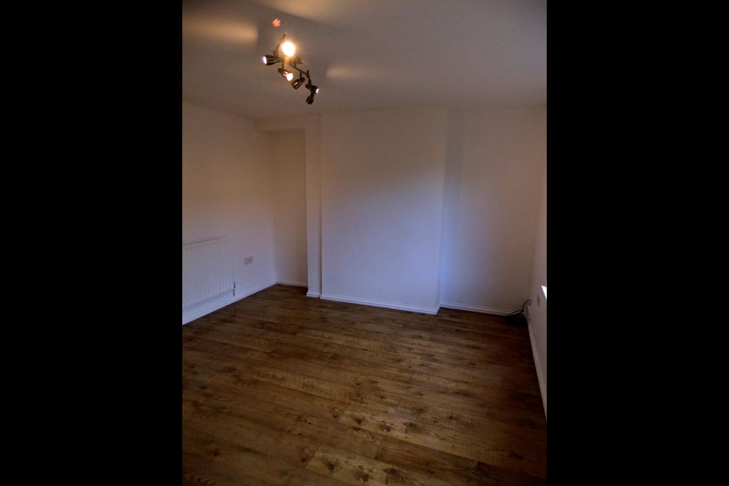 Beeston 2 bed terraced house arden close ng9 to rent now for 163