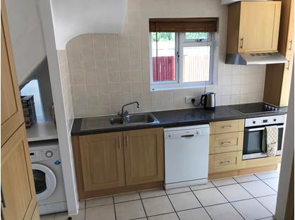 Room in a Shared House, Molesey Close, KT12