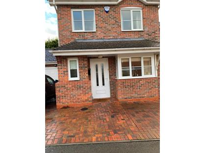3 Bed Detached House, Burns Close, B97